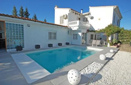 Villa and Pool in Pego for sale