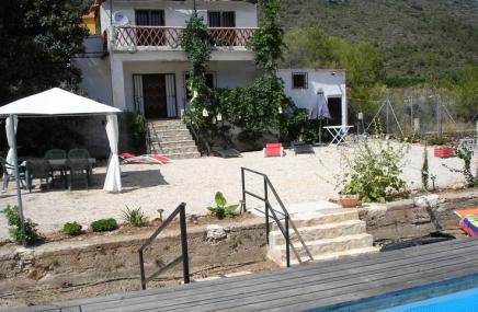 Country Property in Forna
