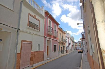 Town House in Pego